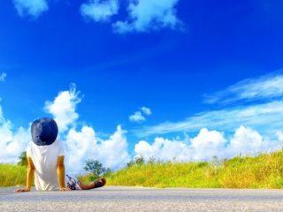 田舎の空と子供