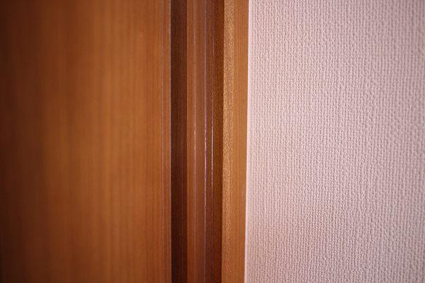 ドアのヒンジ側のはさマンモス